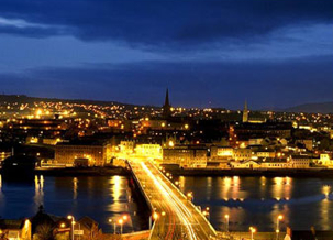 Derry at night_