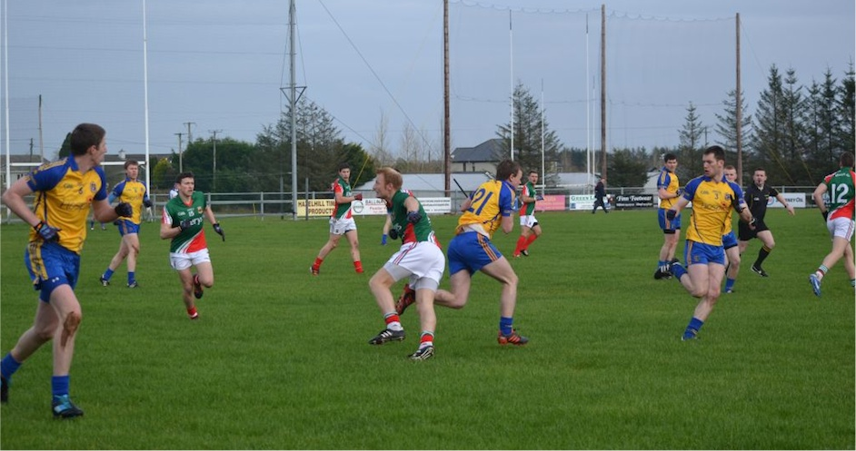 Action shot Mayo v Ros
